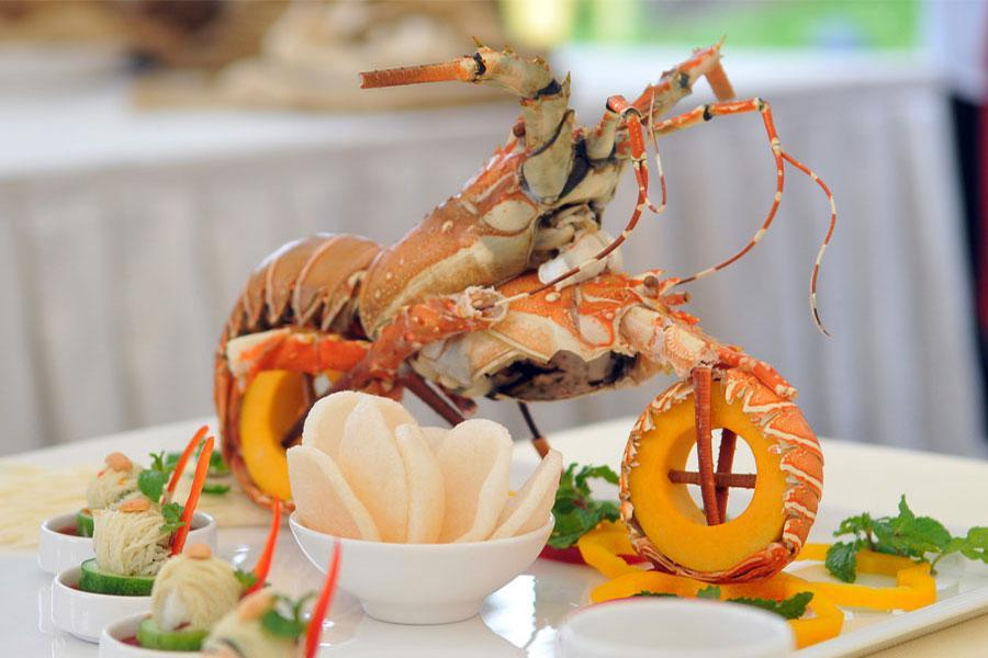 Lựa chọn thực đơn đặt tiệc tất niên với các món ăn đặc sắc và trang trọng